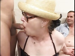 Granny in glasses does a dirty gangbang tubes