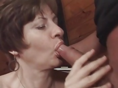 Fucking her mature pussy makes him cum hard tubes