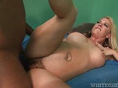 Black cock bangs hairy pussy of a curvy white milf tubes