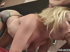Sexy blonde gives a great blowjob tubes
