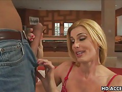 Mature blonde milf takes a huge cock tubes
