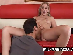 Malia - beautiful mommy gets worshipped and screwed tubes