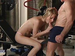 Old dick sucked by blonde tubes