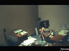 Alone in her office masturbating in voyeur porn tubes
