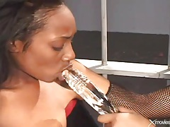 Curvy black hotties have latex lesbian sex in prison tubes