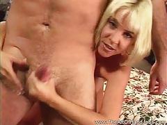 Sexy woman wow handjob tubes