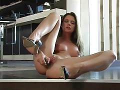 Lean sexy body is hot to watch masturbating tubes