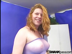 Voluptuous amateur sucks a dick from her knees tubes