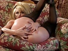 Taylor wane poses for pictures and gets fingered tubes