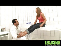 He washes her feet and sucks on her sexy toes tubes