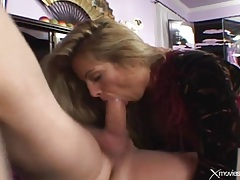 Swallowing toes of a hottie before he fucks her tubes