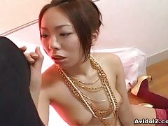 Japanese babe gives a brilliant blow job tubes