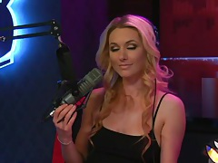 Gorgeous women with big tits are guests on radio tubes