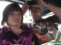 He goes down on petite asian hooker and licks tubes