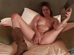 Teen in brown leather cowgirl boots toys pussy tubes