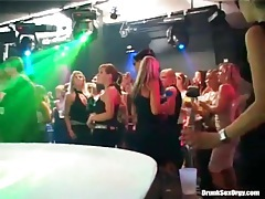 Men on stage blown by well dressed hotties tubes