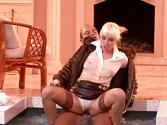 Fut coat and blouse on chick sucking cock in pool tubes