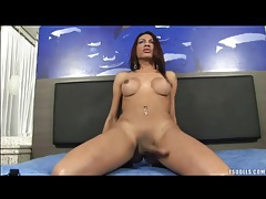 Sexy tgirl with big round tits jerks off tubes
