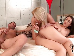 Anal sluts in threesome with atm sucking tubes