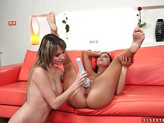 Good vibrations for tight pink lesbian pussy tubes