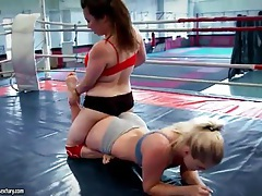 Wrestling women end up having hot lesbian sex tubes