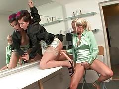 Slutty pussies share double dildo in bathroom tubes