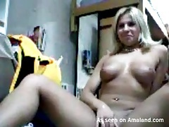 Tanned webcam girl with curvy body masturbates tubes