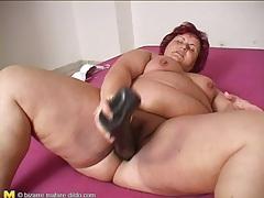 Big dildo slides deep into bbw mature pussy tubes