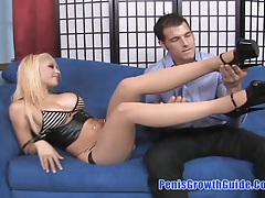 Hot blonde do a good footjob tubes
