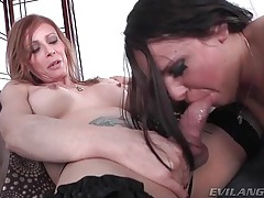 Shemale milf fucks that pretty face tubes