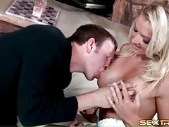 Bleach blonde worships cock from her knees tubes