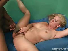 Black cock cums in the armpit of white milf tubes