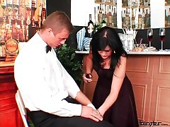 Waiter eats the cunt of a girl in the bar tubes