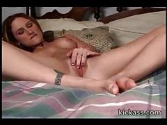 Beautiful young lady alone and masturbating tubes