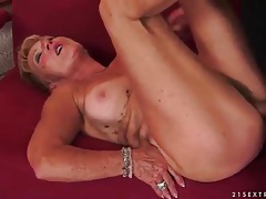 Mature vagina filled with big fat cock tubes