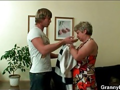 Fit young guy blown by sexy grandma tubes