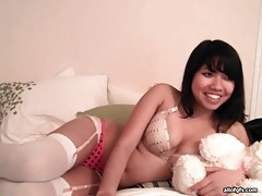 Big dildo fucks pussy of asian webcam girl tube