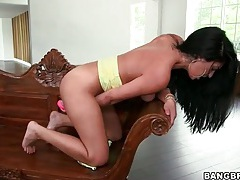 Solo sasha meow fucks her pussy with toy tubes