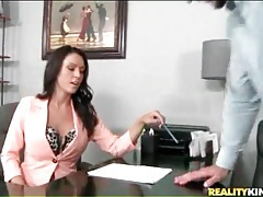 Bossy milf sits on desk for pussy licking tubes