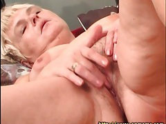 Fat blonde rubs and toy fucks her pussy tubes