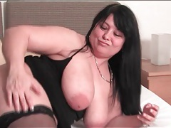Fat girl plays with her pussy in hotel bed tubes