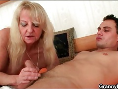 Sensual blowjob from mature with nice mouth tubes