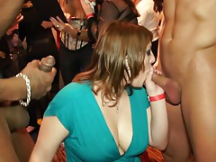 Amateur sluts sucking and tugging tubes