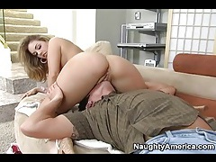 Eating cunt of tasty girl that sucks his cock tubes
