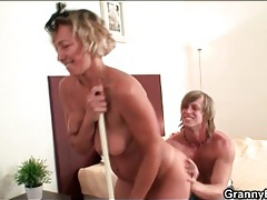 Mature cleaning lady stripped and fingered tubes