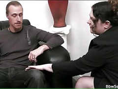 Bbw therapist sucks his dick on couch tubes