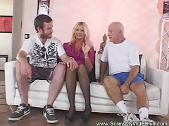 Blonde amateur swinger gets screwed tubes