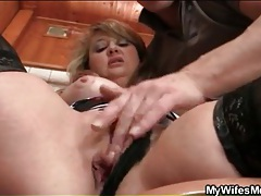Mature cunt fingered in her bathroom tube