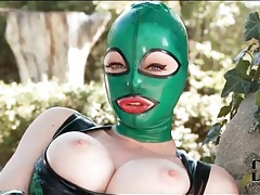 Latex lucy masturbates her pussy outdoors tubes