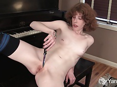 Goth girl staci masturbating her pussy with knife tubes